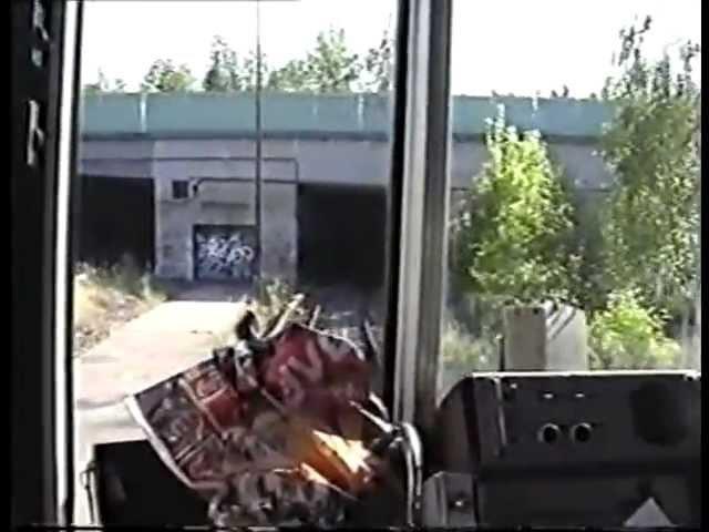Uwe Koch: Výjezd z depa Hostivař v květnu 2000 (natočeno až na Strašnickou)