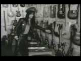 Tracii Guns, L.A. Guns~ Cry no more