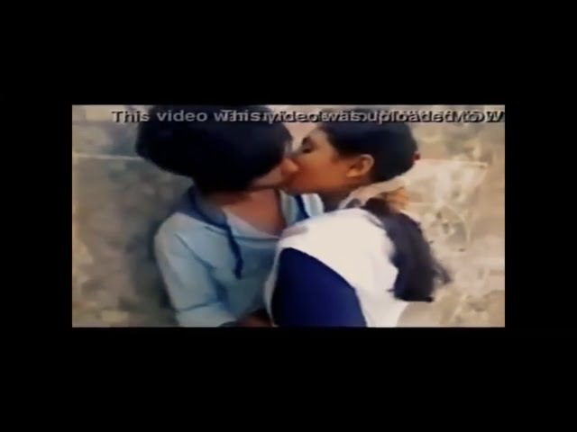 18 school girl and boy kissing couple 2017