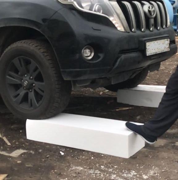 Под колесами внедорожника - ППС-17 плотностью 18 кг/м2, применяемый в наших панелях ULTRASIP® EXTRA 👍👍👍 #ультрасип #ультрасип_экстра
