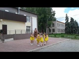 девочки на день села)))
