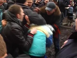 никто не забыт,ничто не забыто...1 марта 2014 г. ·  наш Харьков, избиение пленных