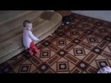 Мандаринорожденная играет с Заплаткой