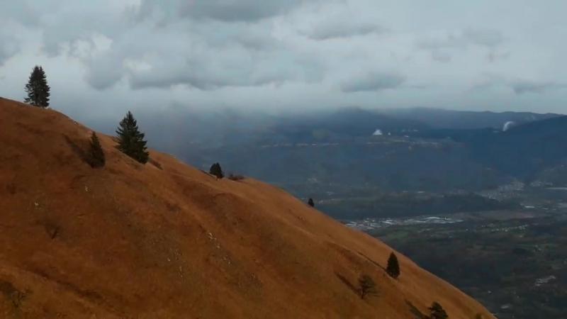 Вид с горы Pra De luni, на высоте 1300м.