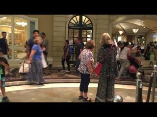 Шоколадный фонтан в отеле Лас-Вегаса