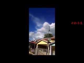 В небе прозвучали страшные звуки - Ангельские трубы, Малайзия | Конец Света [video]