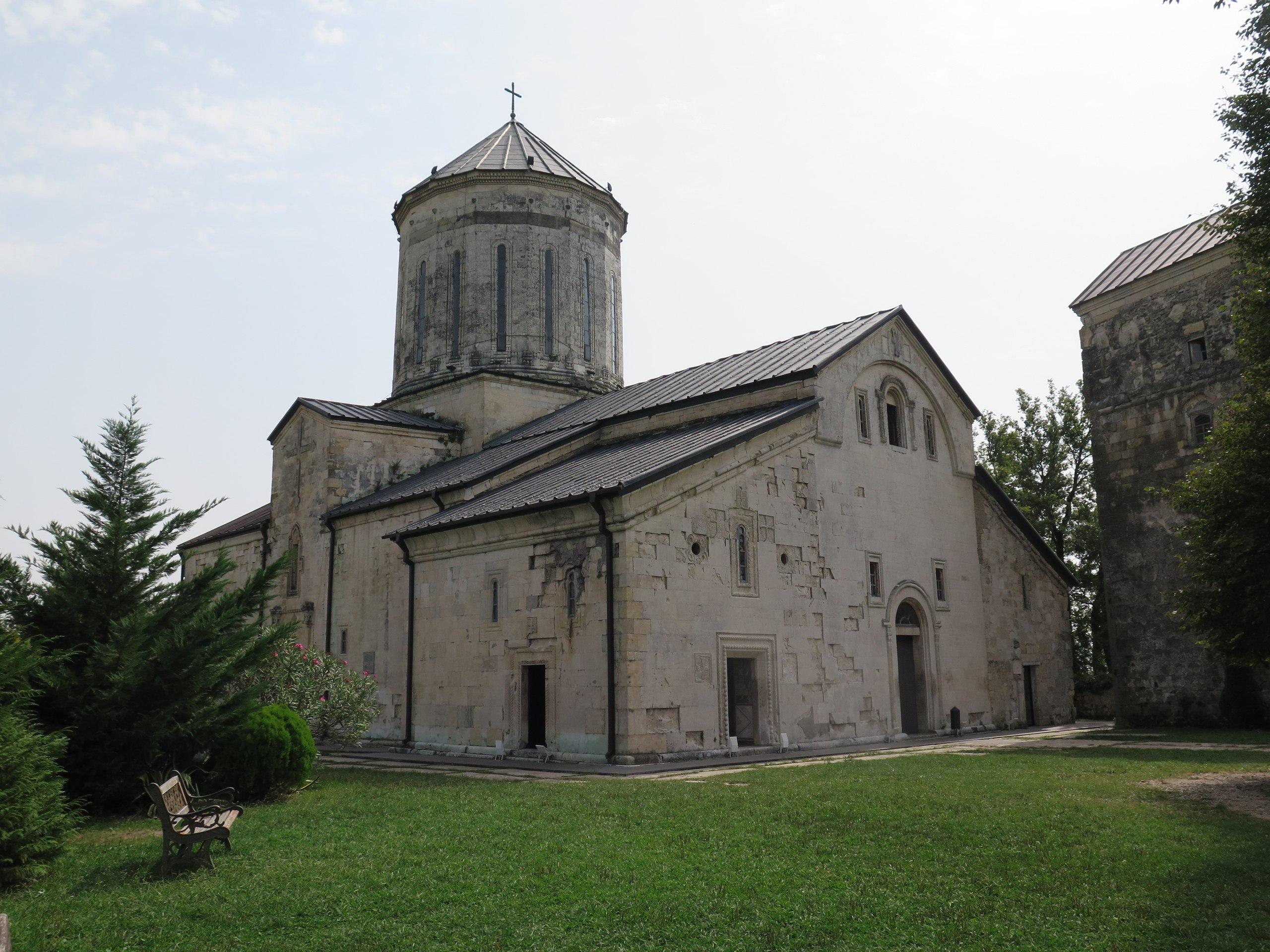 Древний монастырь Чкондиди в Мартвили на месте языческого капища