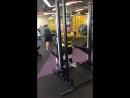 Приседание с весом 200 кг на 3 повтора