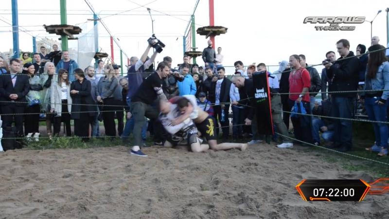 СУПЕР БОЙ - Флинт против Бегуна 2