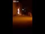 В Йемене мужчина попытался потушить горящий электрощит водой