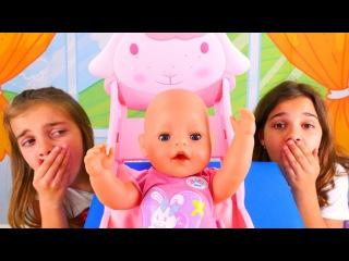 #Bebekbakmaoyunu 👶. Sema ve Ayça buldukları bebeğe yemek yapıyorlar 🍲 ve bez 🚼değiştiriyorlar!