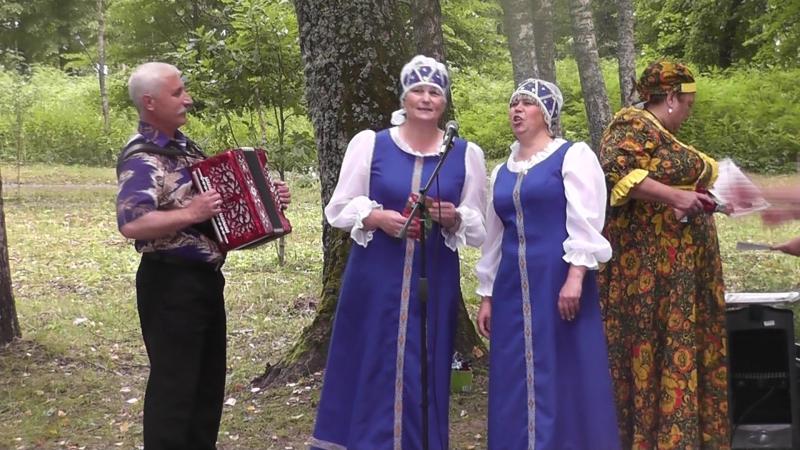 Е. Игнатьева и Н. Прокофьева гармонь В. Прокофьев.