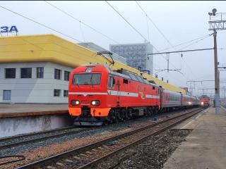 """ЭП2К-082 с приветливой локомотивной бригадой с фирменным скорым поездом """"Дневной экспресс"""" 109/110 Пенза - Самара"""