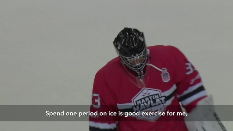 Petr Cech training for ice hockey