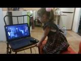 Реакция 4-летней девочки на 6 Wings
