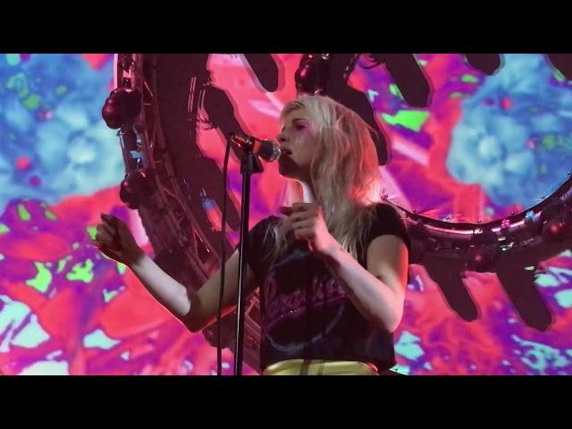 Paramore - Forgiveness - Nashville (2017)