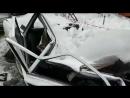 Глыба упала на авто, Бийск (Barnaul22)