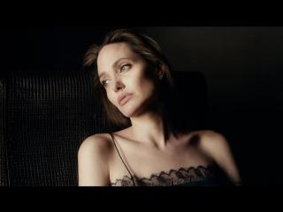 Guerlain представили новую рекламную кампанию с Анджелиной Джоли