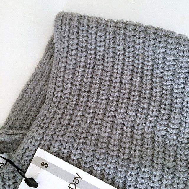 Объемный свитер из магазина YURI SPECIAL FOR WINTER