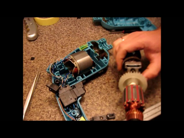 Ремонт дрели : искрит дымит/ замена ротора/Repair drills : sparks smokes/ rotor replacement