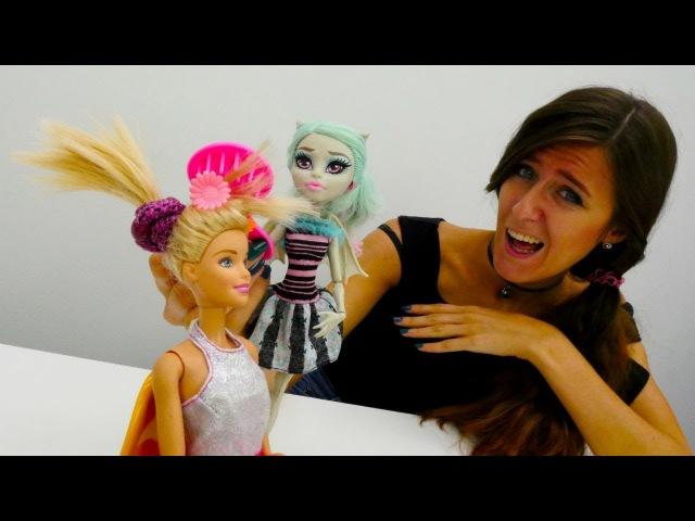 Muñecas Barbie y los Monster High español👧 BARBIE PEINADOS👧 Vídeos de juguetes para niñas