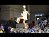 Amazing_Circus_Performs_at_Half_Time_Show_yapfiles.ru