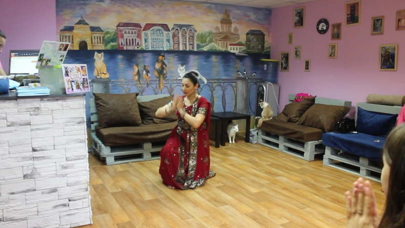 Индийские танцы в Котейне