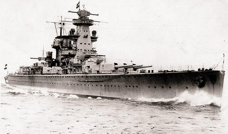 Крейсер «Адмирал Шеер» на испытаниях, 1935 год.