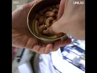 Кто нибудь задумывался, чем питаются космонавты