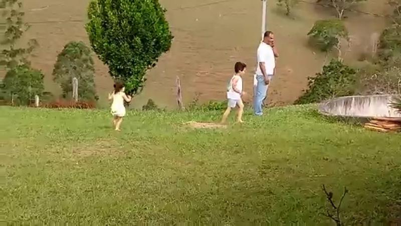 Dad, niece and nephew