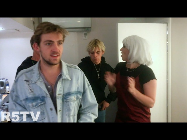 Rocky and Ross almost miss the show! S2E20 | R5 TV
