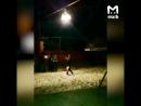 В селе в Дагестане вместо фонаря на улице повесили люстру.  Луч света в черном царстве