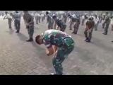 БУЙ БУЙ БУЙ.Потанцуем - Танец маленького мальчика и солдата