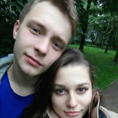 Денис Кустов