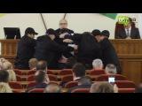 Охранники Кернеса снова вывели экс-депутата Лесика из зала