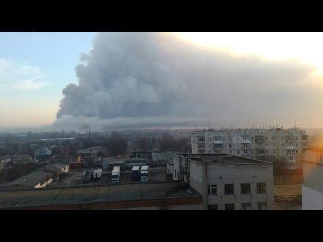 Балаклія: вибухи тривають, гасіння пожежі неможливе