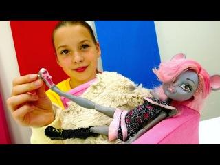 УЛЕТНАЯ ВЕЧЕРИНКА Монстер Хай ? Кукла мышь в САЛОНЕ КРАСОТЫ ? Игры одевалки #Д ...
