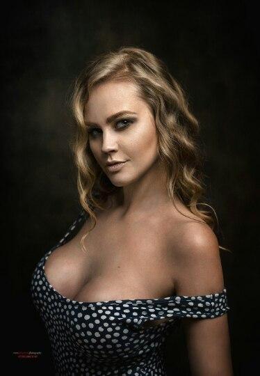 Фото голих красивых девушек 18