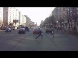 Перебегающие дорогу дети. 24.05.17. Архангельск