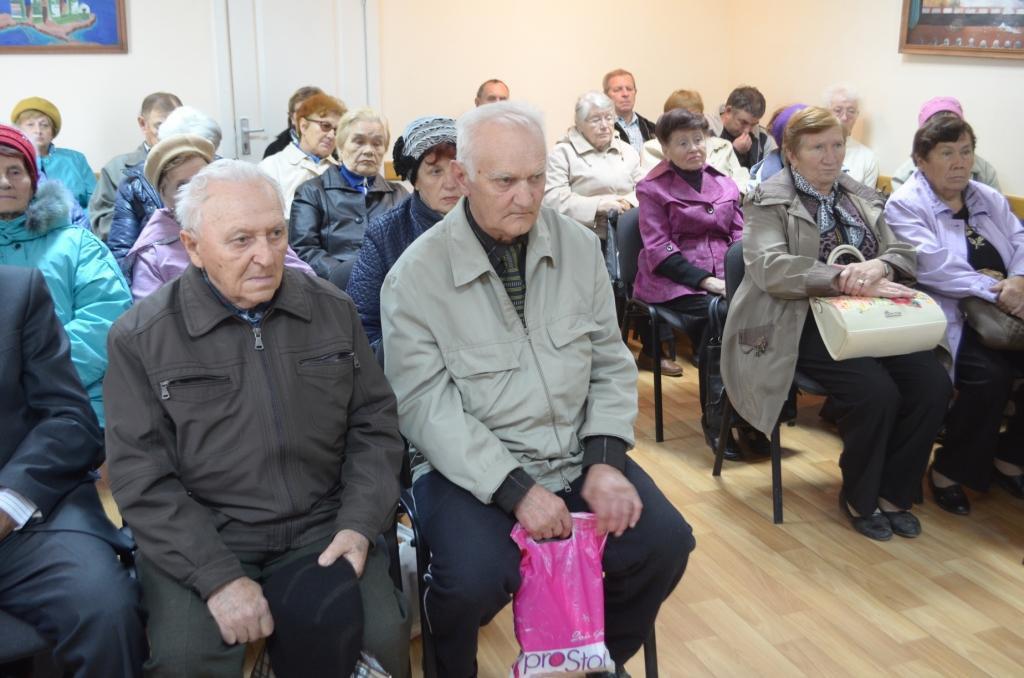 Глава администрации Армянска встретился с ветеранами