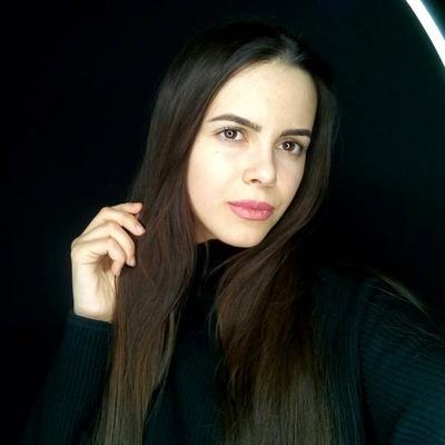 Нелли Саакян