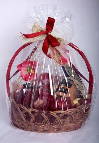 Идеи подарков в корзине 234
