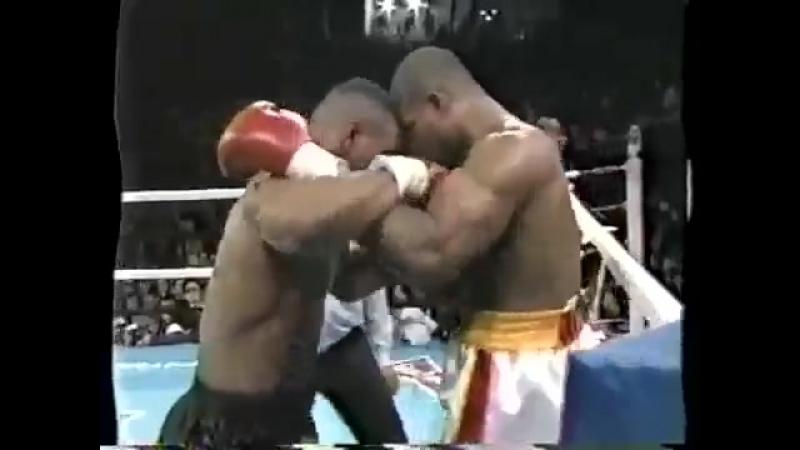 Mike Tyson VS Razor Ruddock 1 Highlights