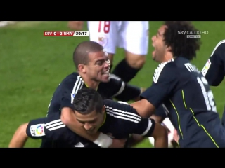 Cristiano Ronaldo vs Sevilla Away 10-11 HD 720p