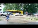 Пусть бегут неуклюже пешеходы по лужам Ижевск Ливень
