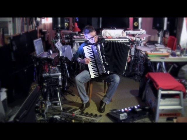Deconstructed:Chopin Prelude in Em - Cathie Travers, accordion programming