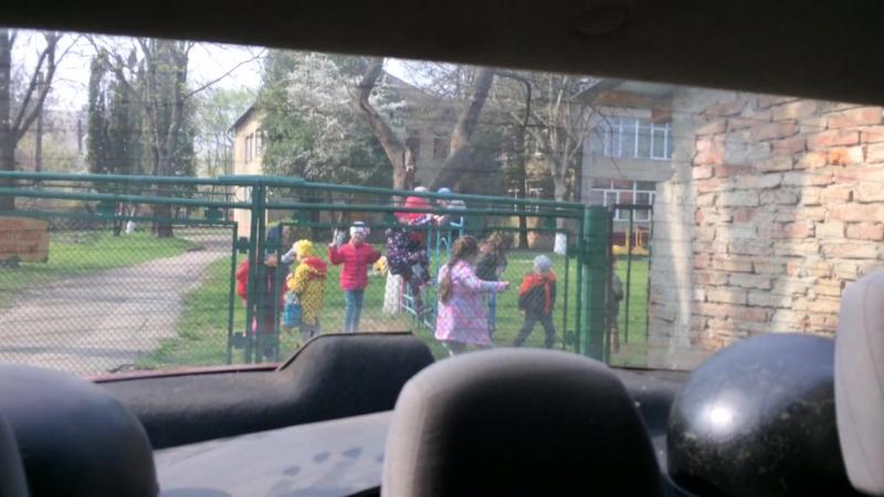 Чим дітей годують в дит. саду