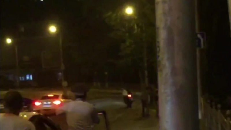 Уронили ГАИшника. Севастополь