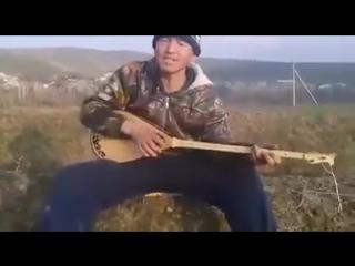 Ауылдағы домбырашы Қазнетте хит болды 2016.mp4