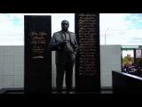 . Москва. Могила криминального авторитета Деда Хасана на Хованском кладбище